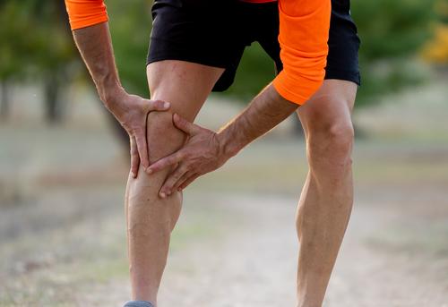dor nos joelhos